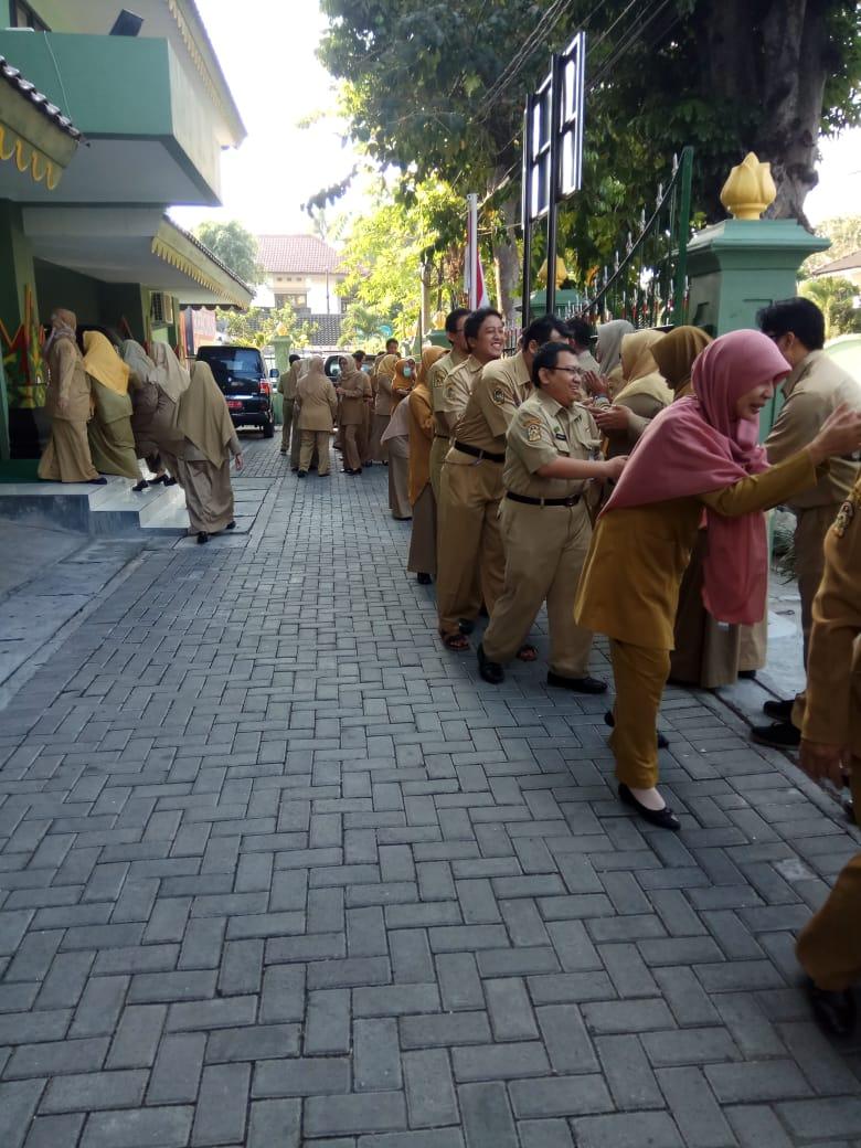 Halal Bihalal Hari Pertama Masuk Setelah Libur Idul Fitri 1440H